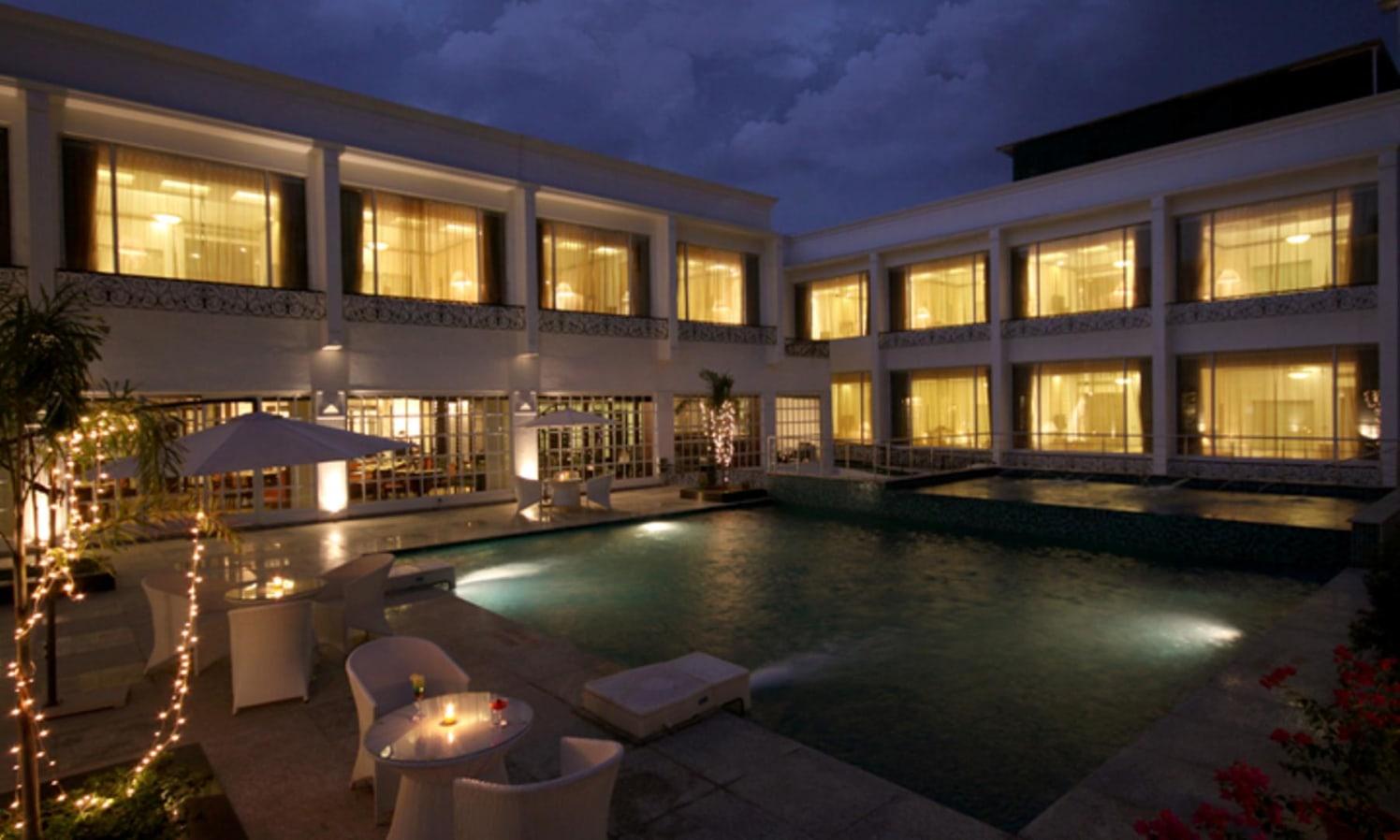 Dine By The Pool by shailendra m prasad  Modern Minimalistic | Interior Design Photos & Ideas