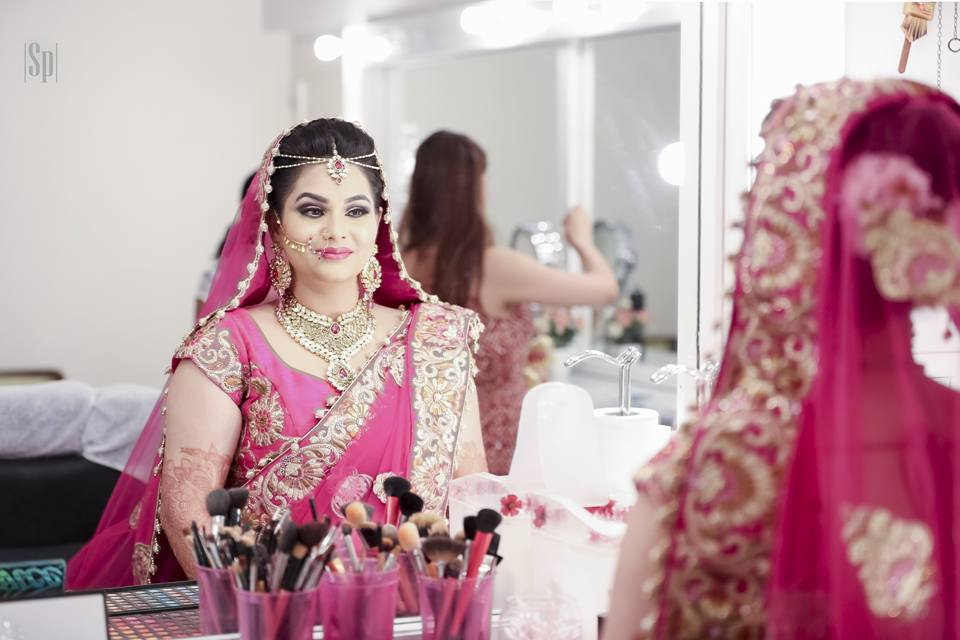 Shot Of Insanely Pretty Getting Ready Bride In Her Conventional Wedding Attire by Sameer Panchpor Wedding-photography | Weddings Photos & Ideas