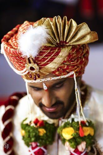 Traditional Red Turban With Golden Work And Kilangi Brooch by Sameer Panchpor Groom-wear-and-accessories | Weddings Photos & Ideas