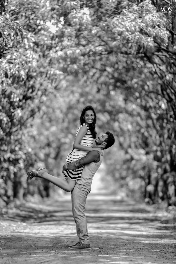 Black And White Romantic Pre-Wedding Shot by Sameer Panchpor Wedding-photography | Weddings Photos & Ideas