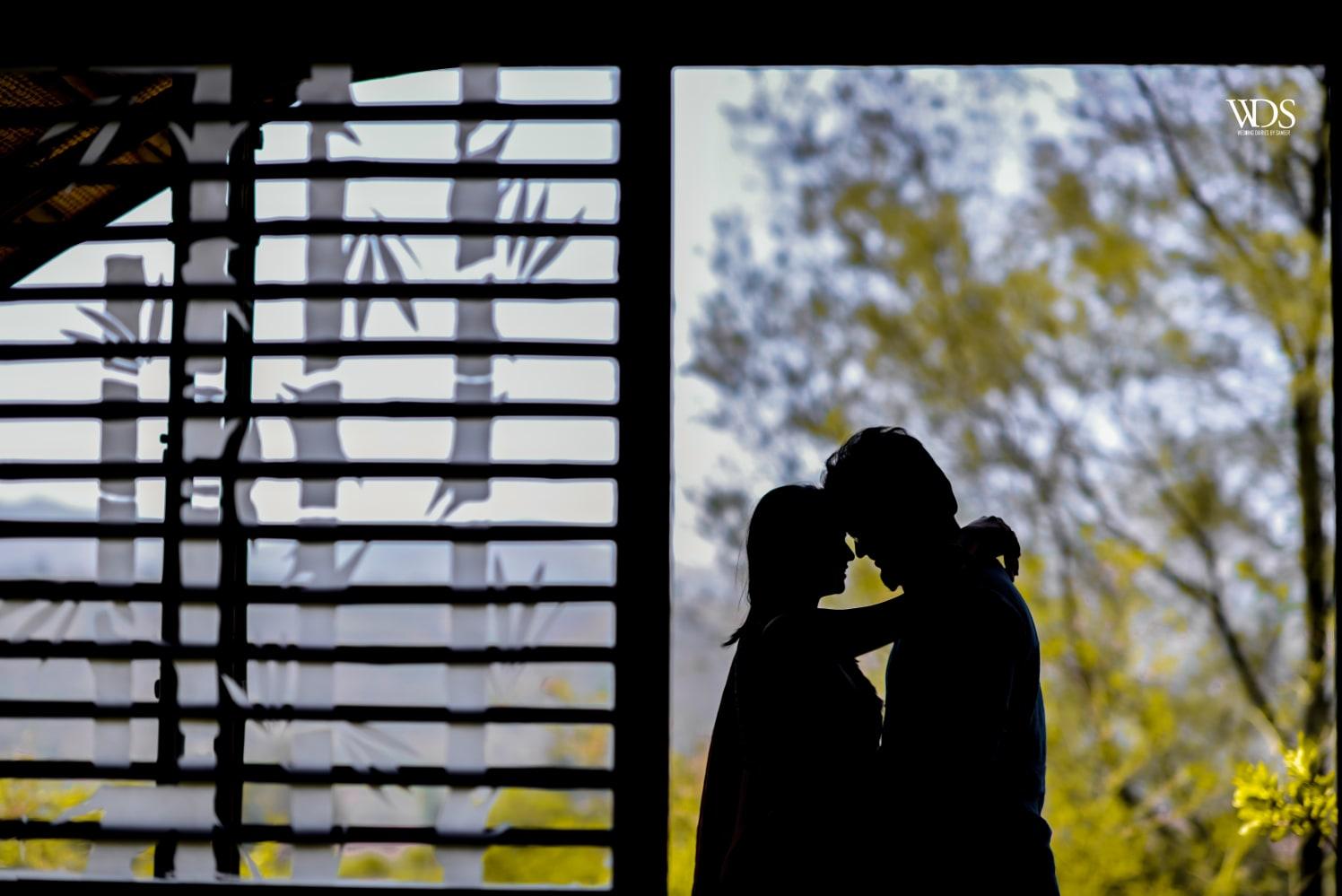Pre-Wedding Silhouette Shot by Sameer Panchpor Wedding-photography | Weddings Photos & Ideas