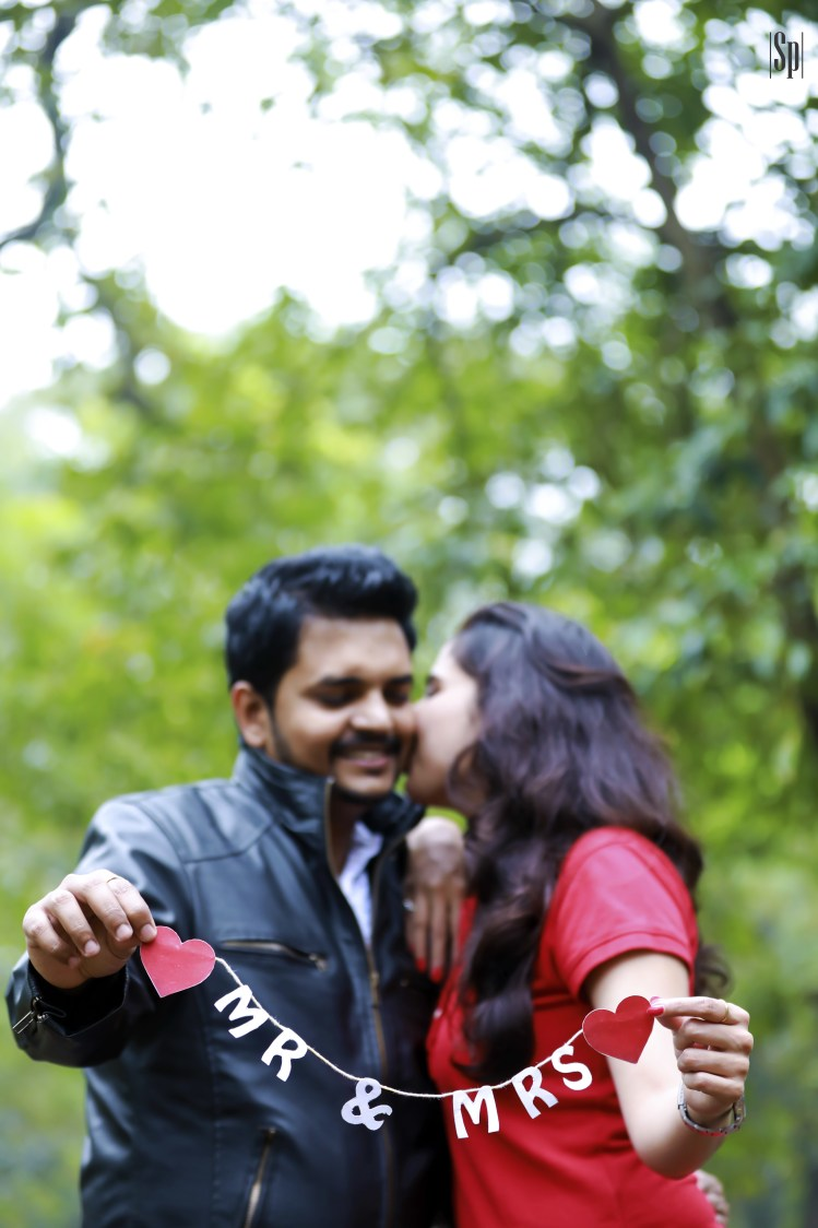 Awesome Pre-Wedding Shoot Prop Ideas by Sameer Panchpor Wedding-photography | Weddings Photos & Ideas