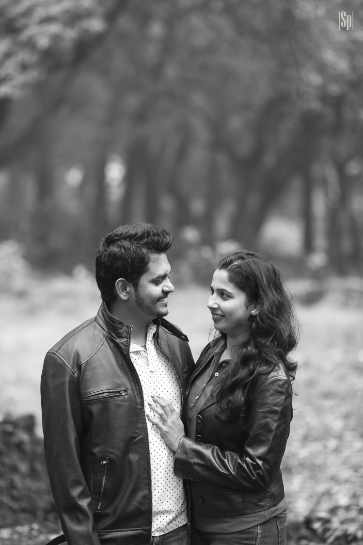 Black And Whit Pre Wedding Shoot by Sameer Panchpor Wedding-photography | Weddings Photos & Ideas