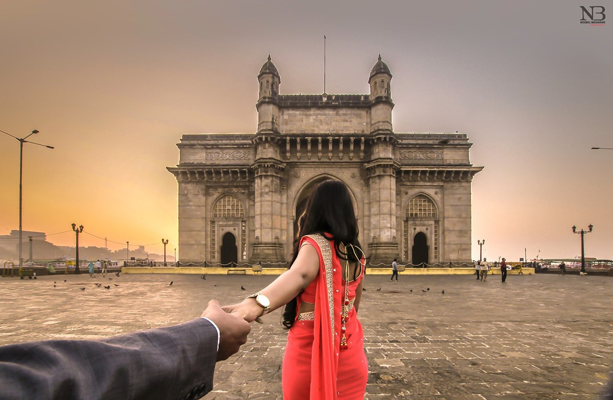 Panoramic Pre Wedding Shoot At The Gateway Of India by Nikhil Y. Bharane Wedding-photography | Weddings Photos & Ideas