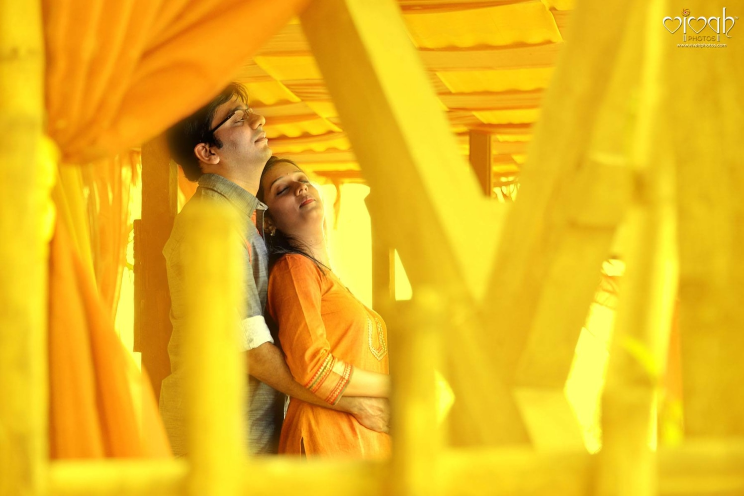 Amber glow of love by VIVAH PHOTOS Wedding-photography | Weddings Photos & Ideas