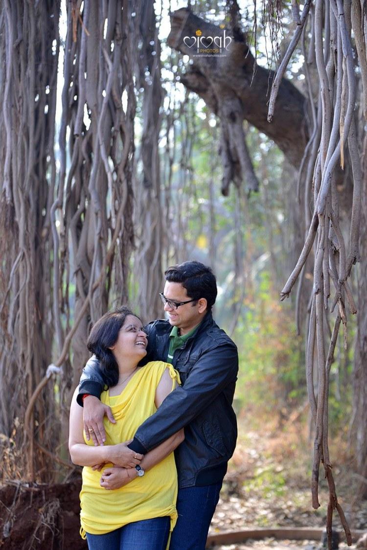 Hold me tight by VIVAH PHOTOS Wedding-photography | Weddings Photos & Ideas
