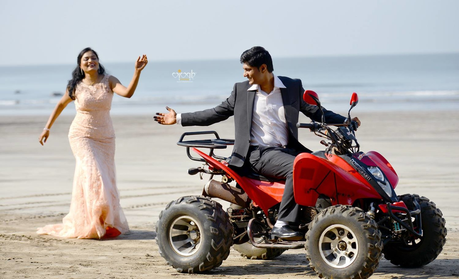 Adventurous love by VIVAH PHOTOS Wedding-photography   Weddings Photos & Ideas