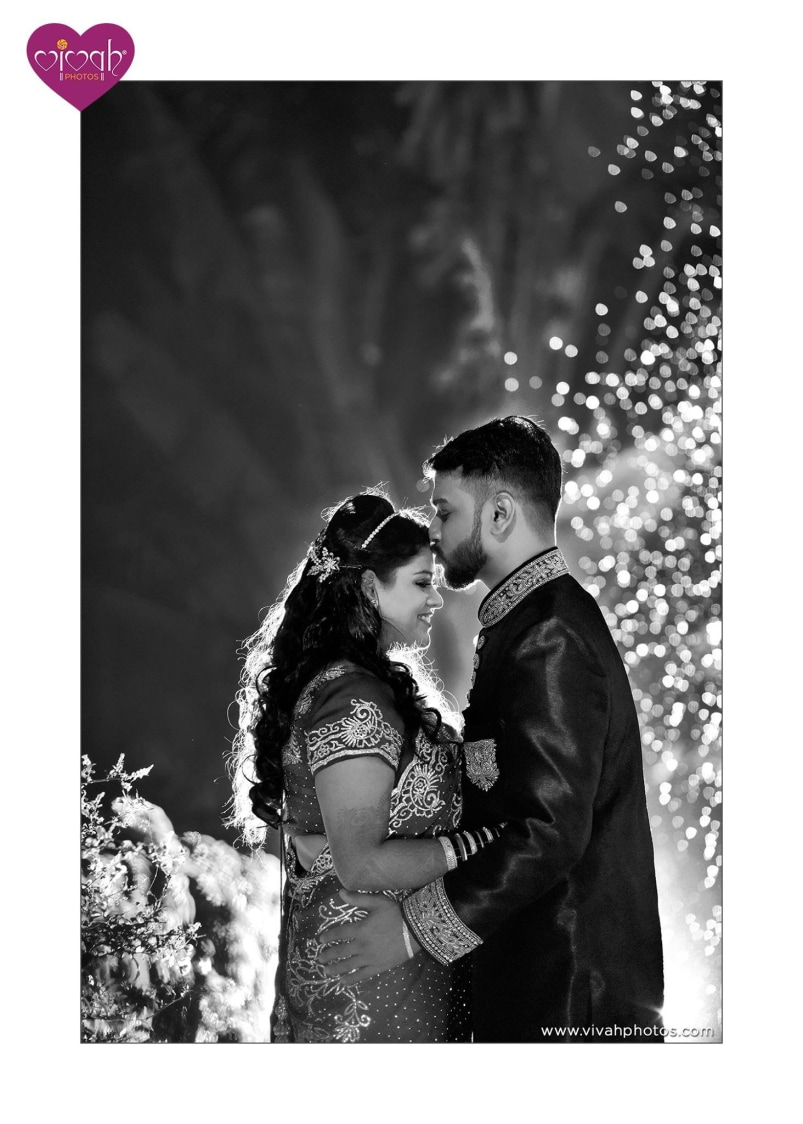 Peck like a million bucks by VIVAH PHOTOS Wedding-photography | Weddings Photos & Ideas