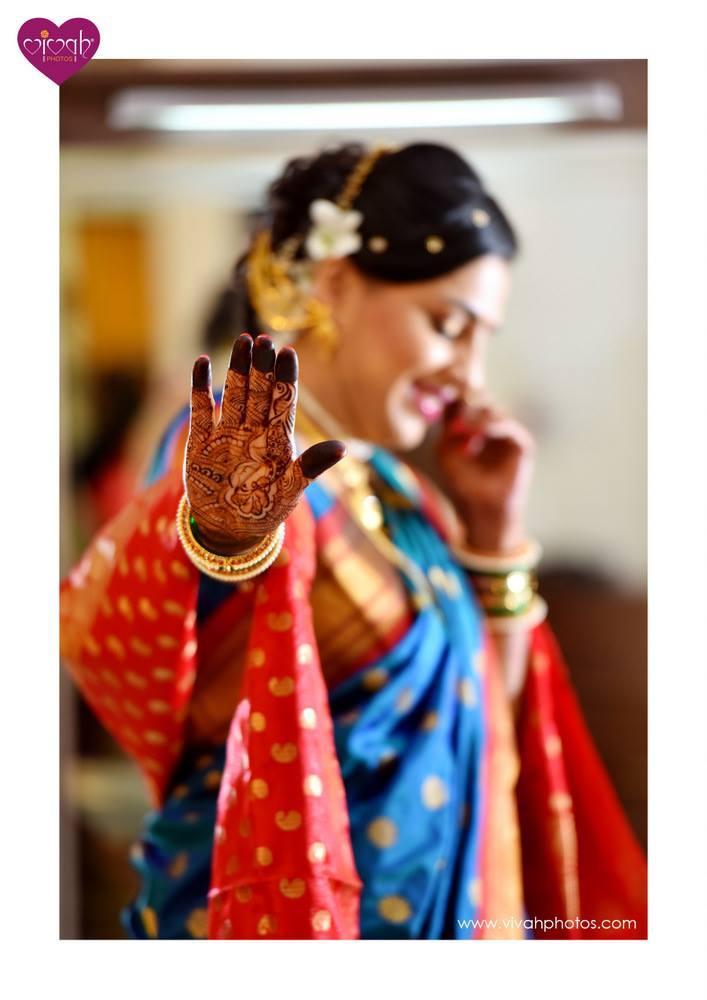 Flaunting henna by VIVAH PHOTOS Wedding-photography | Weddings Photos & Ideas