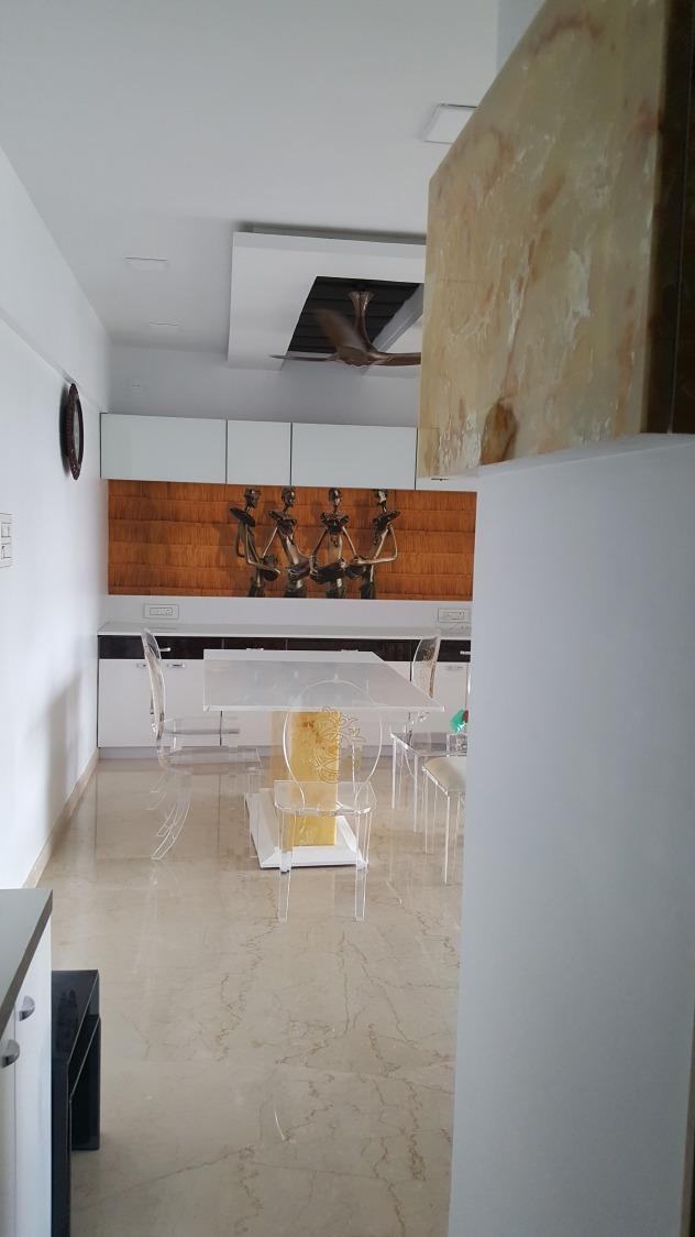 Mirror marvel by RK Constructions Modern | Interior Design Photos & Ideas