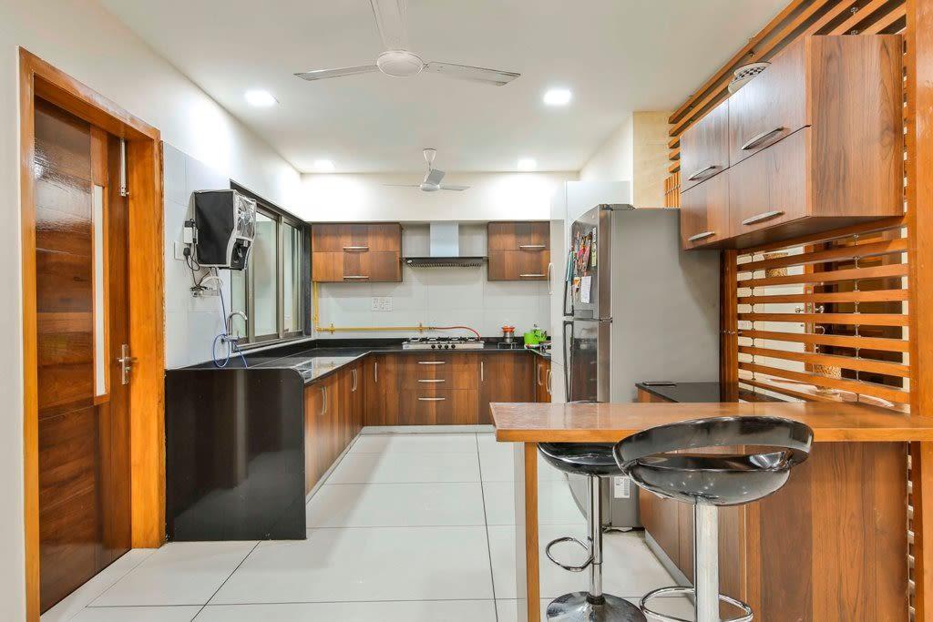 The Modern Kitchen by Ignitus Architectural Studio Modular-kitchen Modern | Interior Design Photos & Ideas