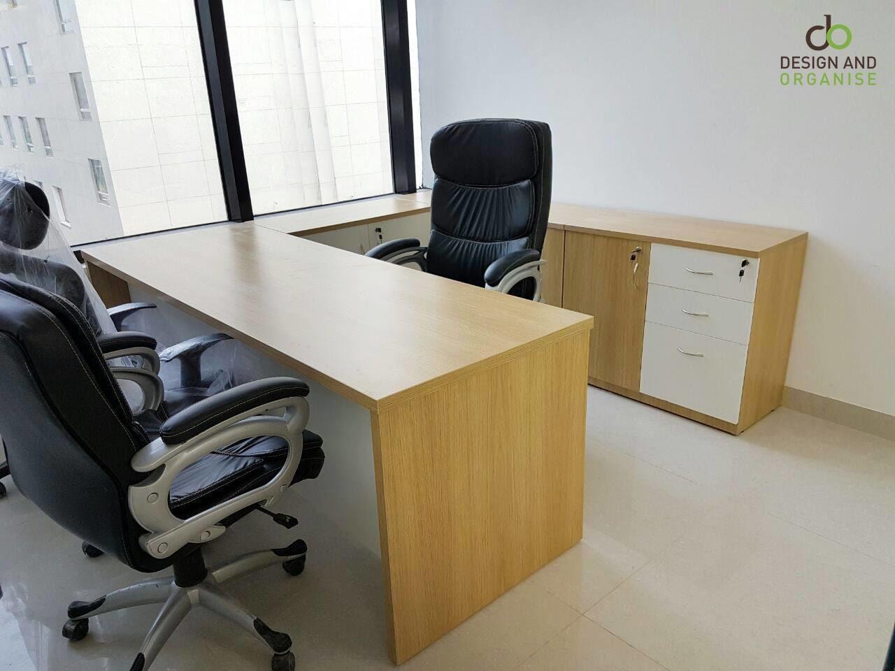 Tortila Office Wooden Desk by Kunal Kshatriya Traditional | Interior Design Photos & Ideas