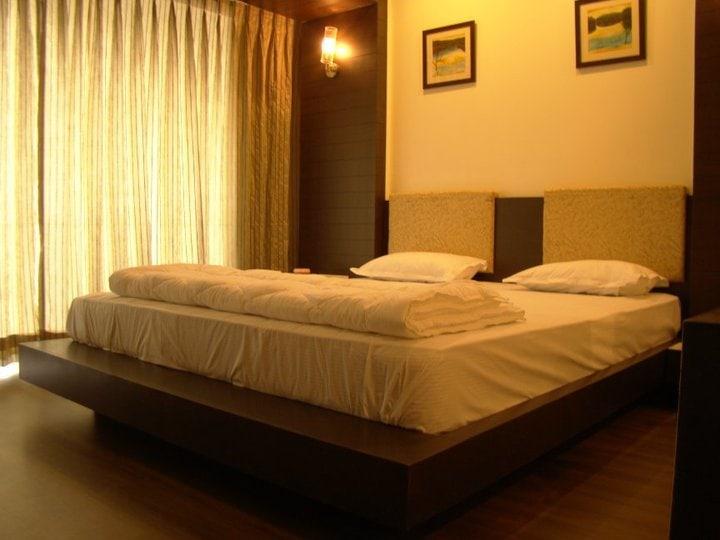 Brightly Light Bedroom by Avasiti Design Bedroom Modern | Interior Design Photos & Ideas