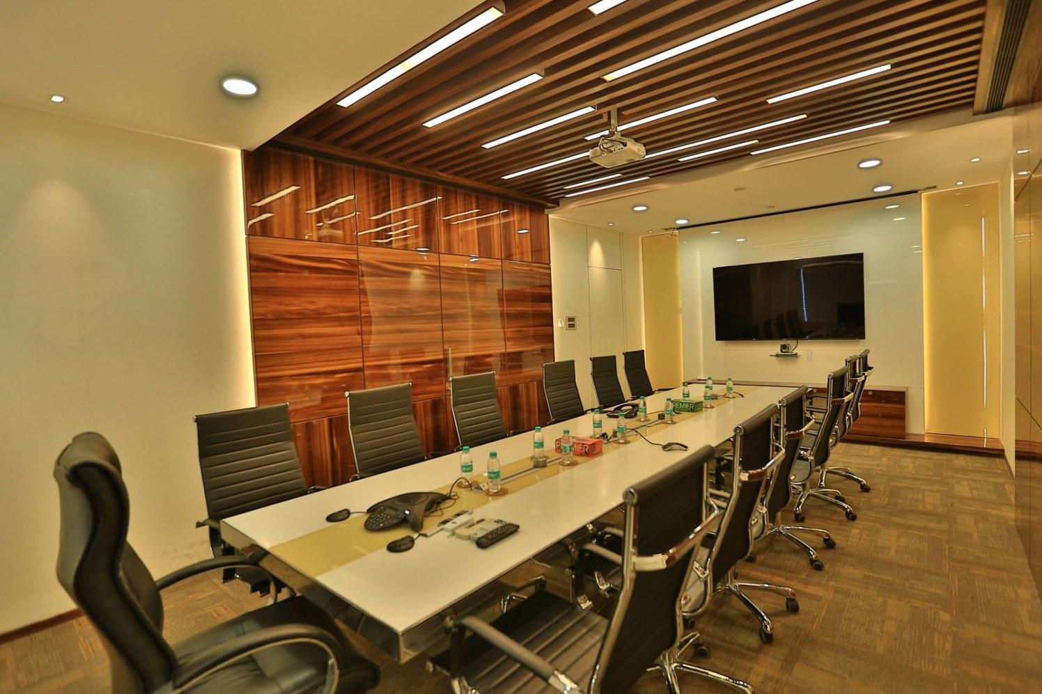 Very modern office by splashiN DesigN studiO Modern | Interior Design Photos & Ideas
