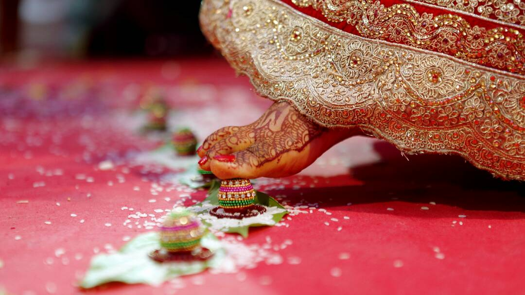 Living up to the wedding traditions by Proffesional Photographer Wedding-photography | Weddings Photos & Ideas