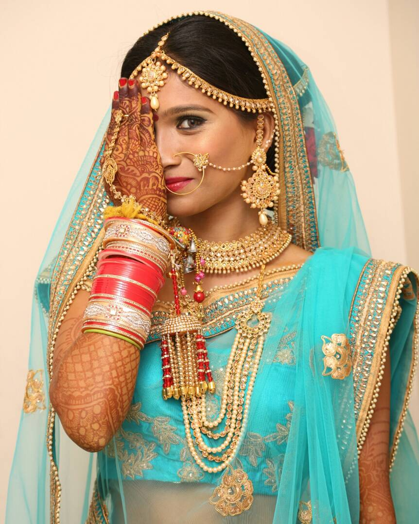 A quick glimpse of the pretty bride by Proffesional Photographer Wedding-photography | Weddings Photos & Ideas