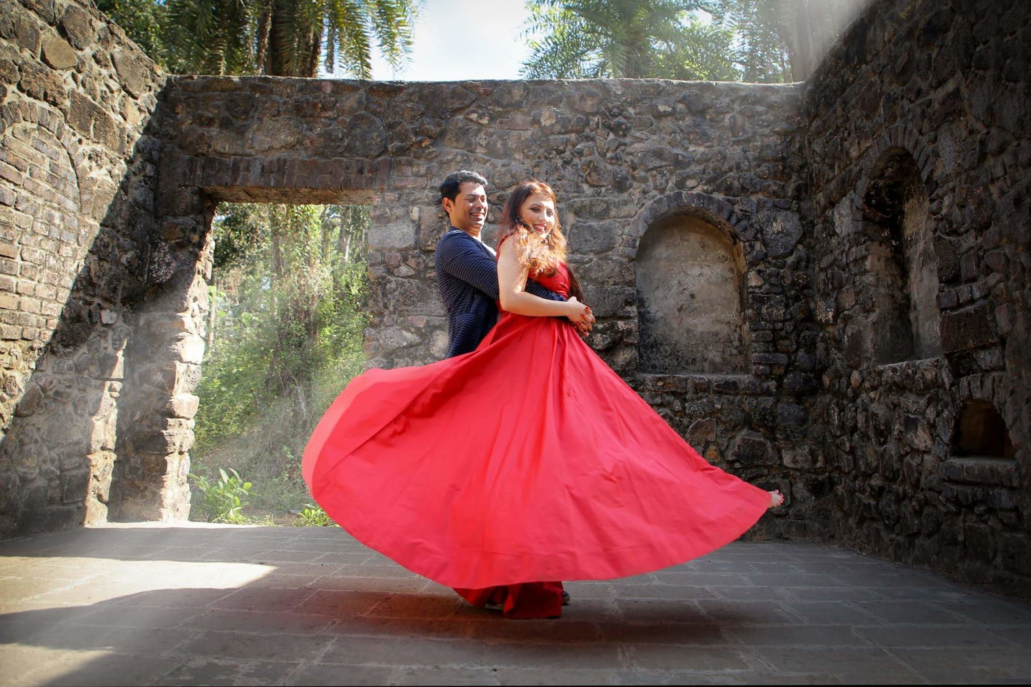 Enjoying the elegant dance surrounded by ancient architecture. by Proffesional Photographer Wedding-photography | Weddings Photos & Ideas