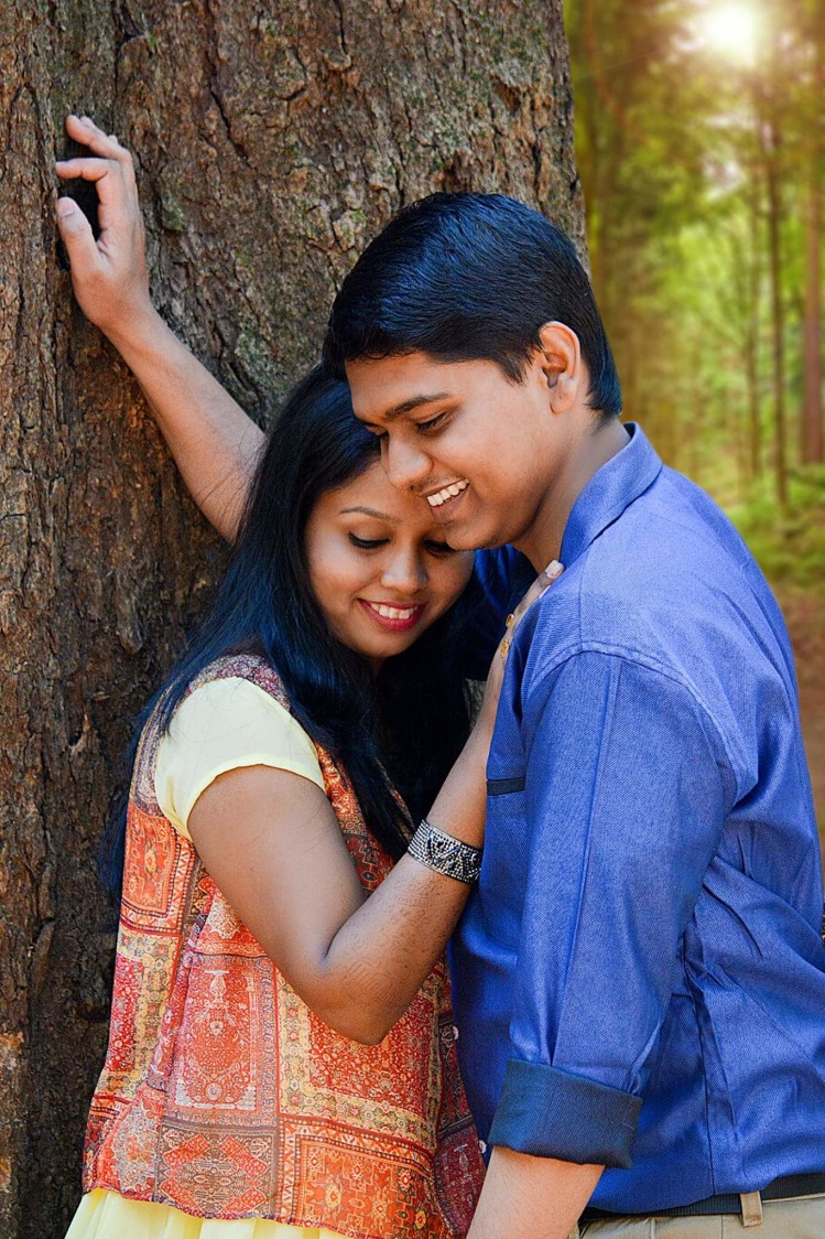 Cute moment under the tree by Proffesional Photographer Wedding-photography | Weddings Photos & Ideas