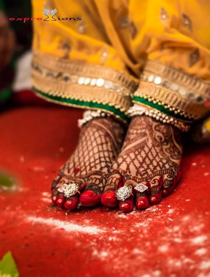 Elegant mehandi on the bride's feet by Exprezzions Wedding-photography | Weddings Photos & Ideas