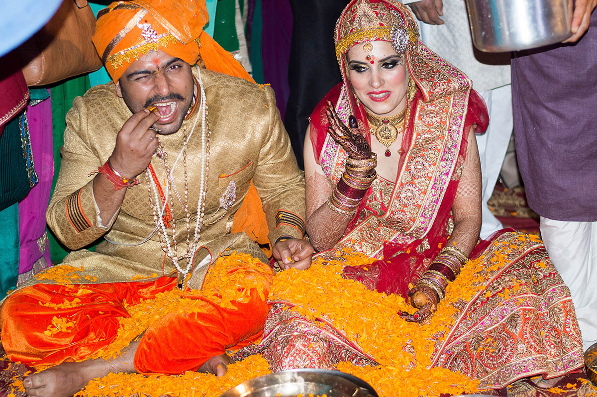 Taking pleasure in the wedding rituals by Exprezzions Wedding-photography | Weddings Photos & Ideas