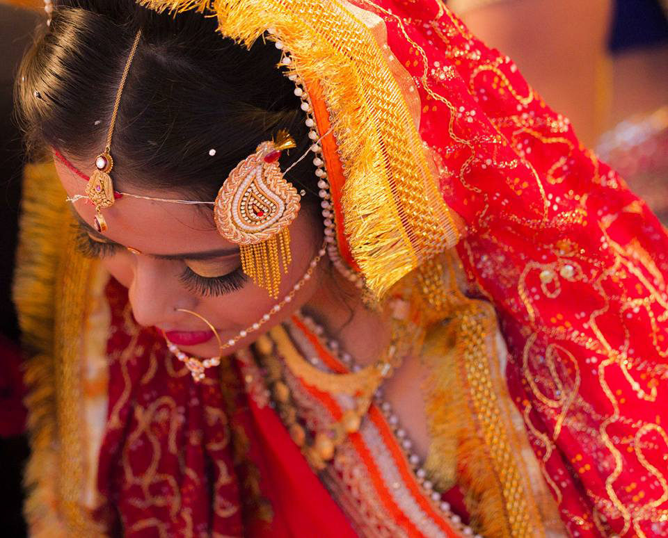 A beautiful Indian bride by Rahul Vadhs Photography Wedding-photography | Weddings Photos & Ideas