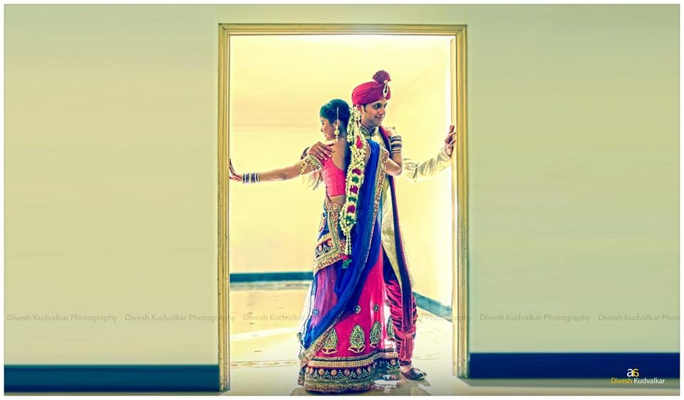 A stunning pose by the wedding couple by Arya Arts Wedding-photography | Weddings Photos & Ideas