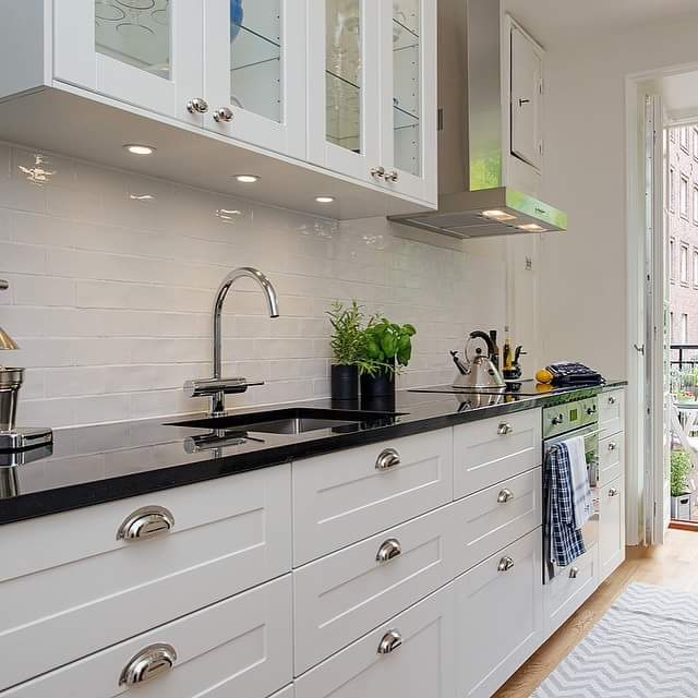 Modular kitchen! by Makan interiors & decorators Modular-kitchen | Interior Design Photos & Ideas