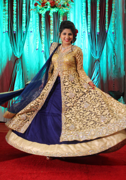 Twirling Bride Pose by Karan Meghnani Photography Wedding-photography | Weddings Photos & Ideas