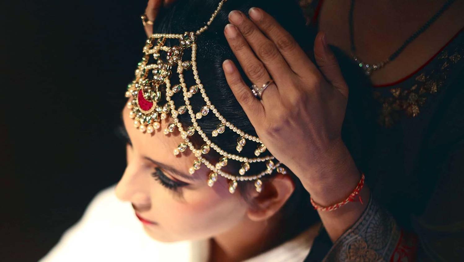 Bridal Mang Teeka by Karan Meghnani Photography Wedding-photography | Weddings Photos & Ideas