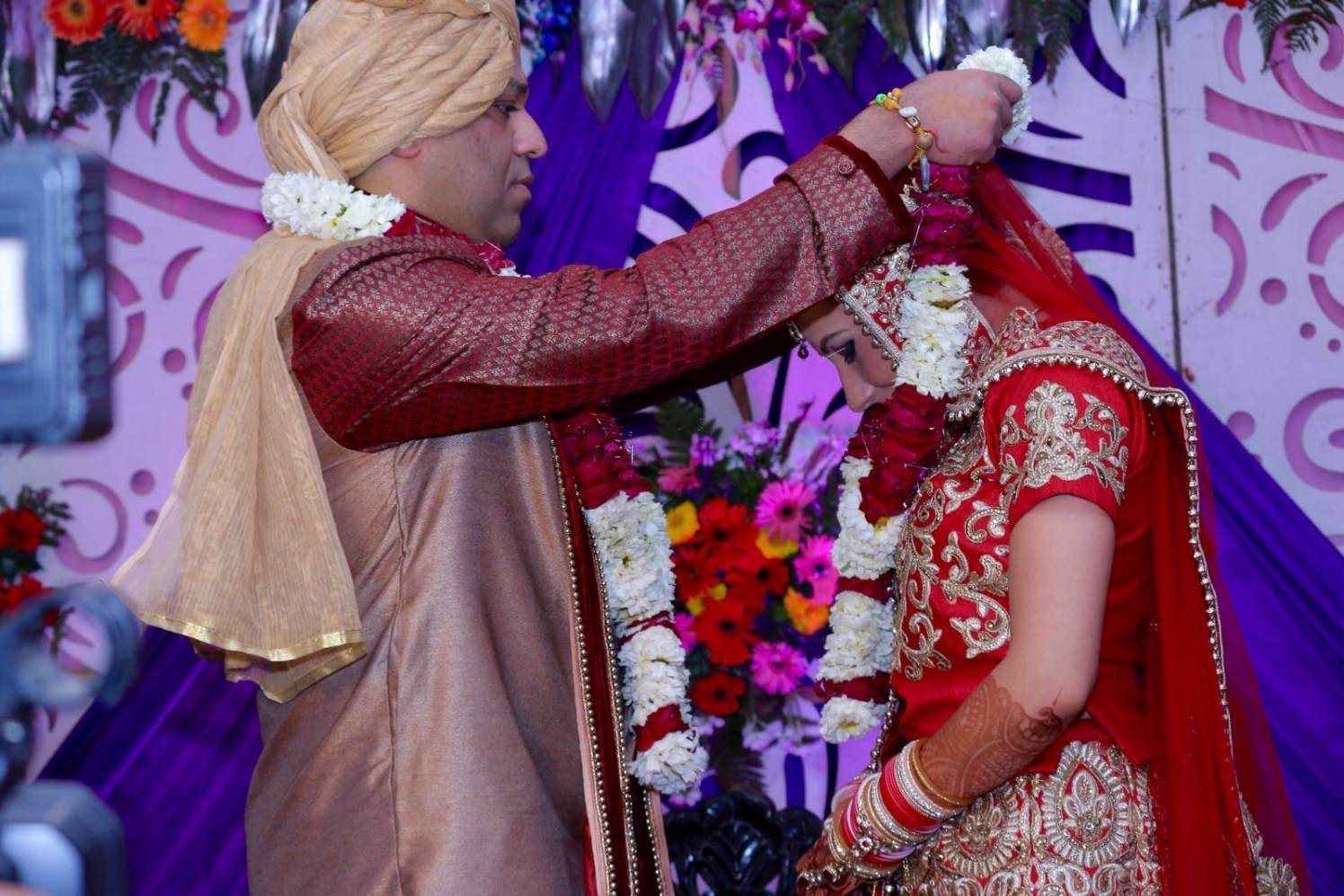 Jaimala Ceremony by Krishna Photography Wedding-photography | Weddings Photos & Ideas