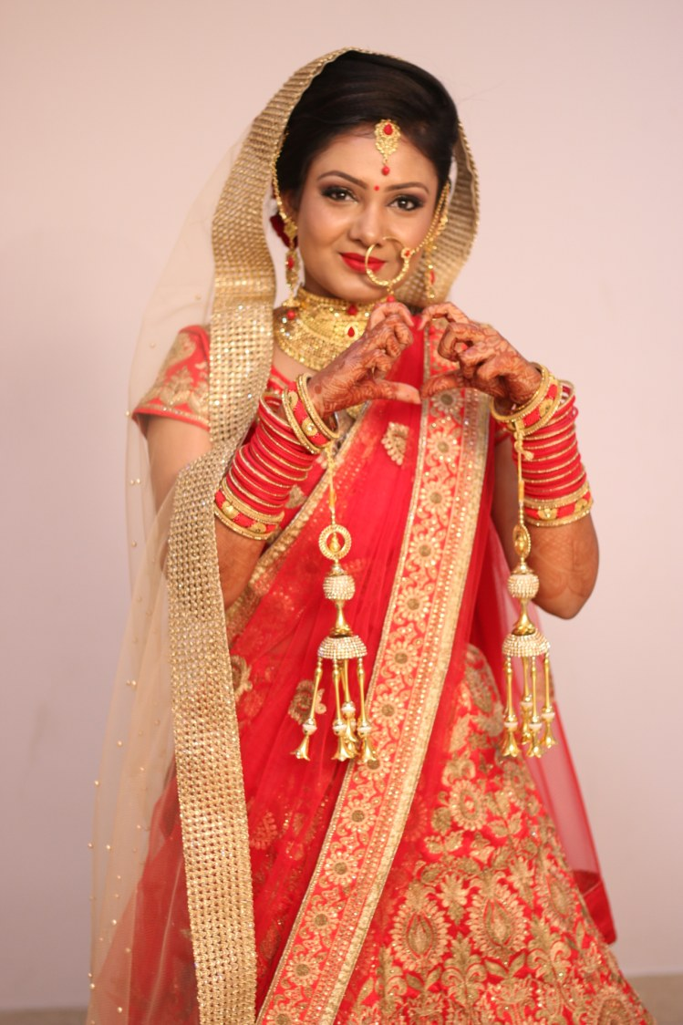 Bride Pose by Krishna Photography Wedding-photography | Weddings Photos & Ideas