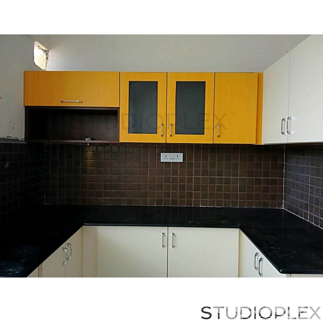 Modular Kitchen With Dual Tone cabinets by Vikram Gorur Modular-kitchen Modern   Interior Design Photos & Ideas