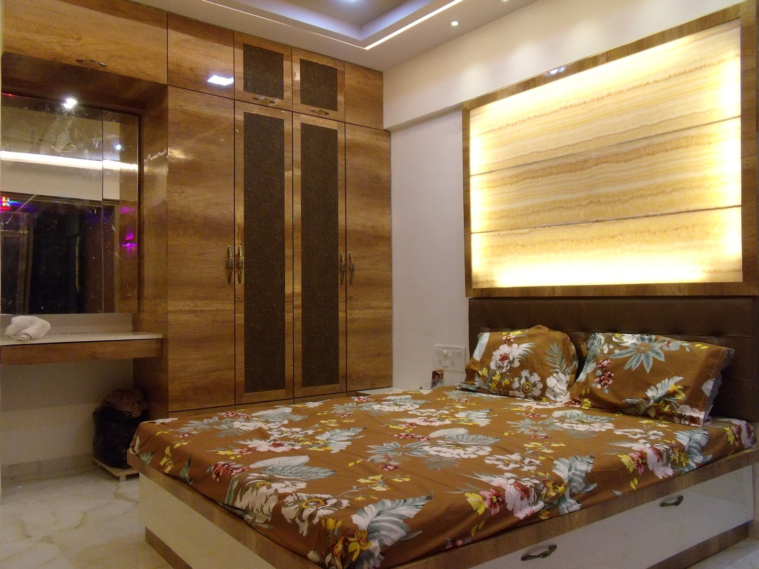 Low Rise Wooden Bed With Wardrobe by Prashant Koli Bedroom Contemporary | Interior Design Photos & Ideas