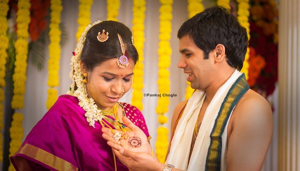 Special marathi traditions with bride and groom portrait! by Pankaj Chogle Wedding-photography | Weddings Photos & Ideas