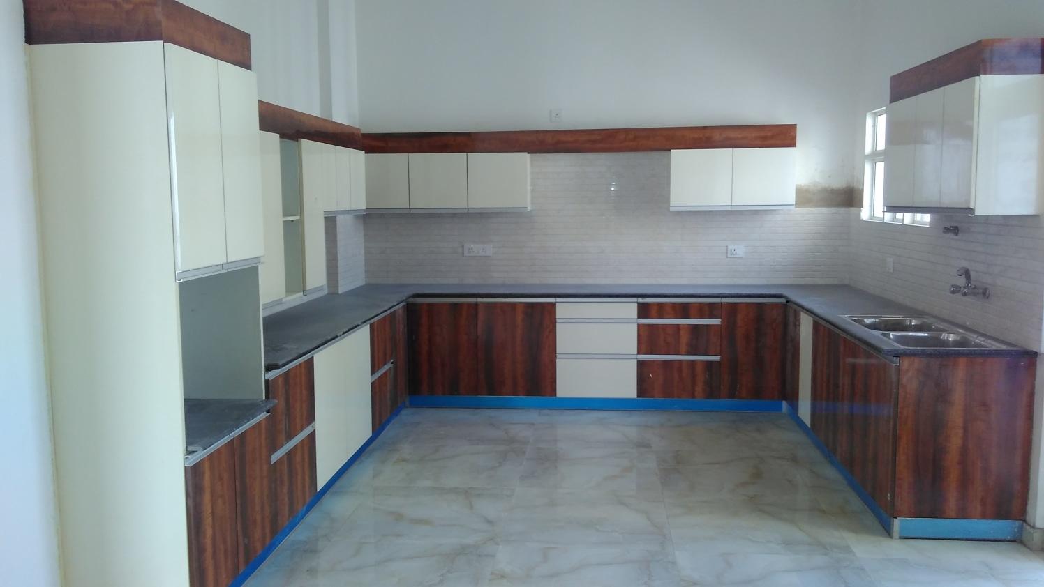 Modular Kitchen by Abhinav Gupta Modular-kitchen Modern | Interior Design Photos & Ideas