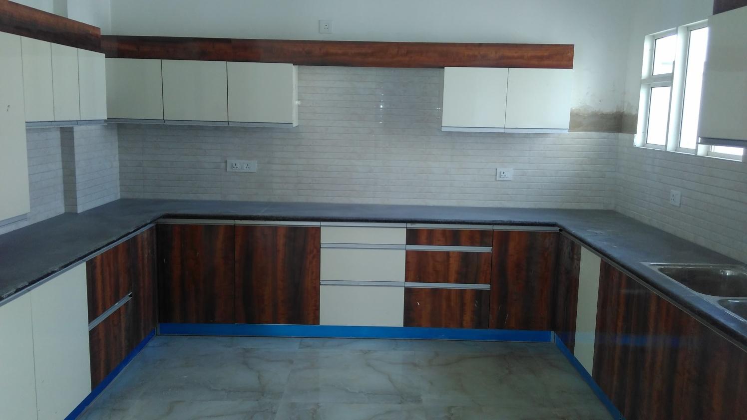 Kitchen With Marble Flooring by Abhinav Gupta Modular-kitchen Modern | Interior Design Photos & Ideas