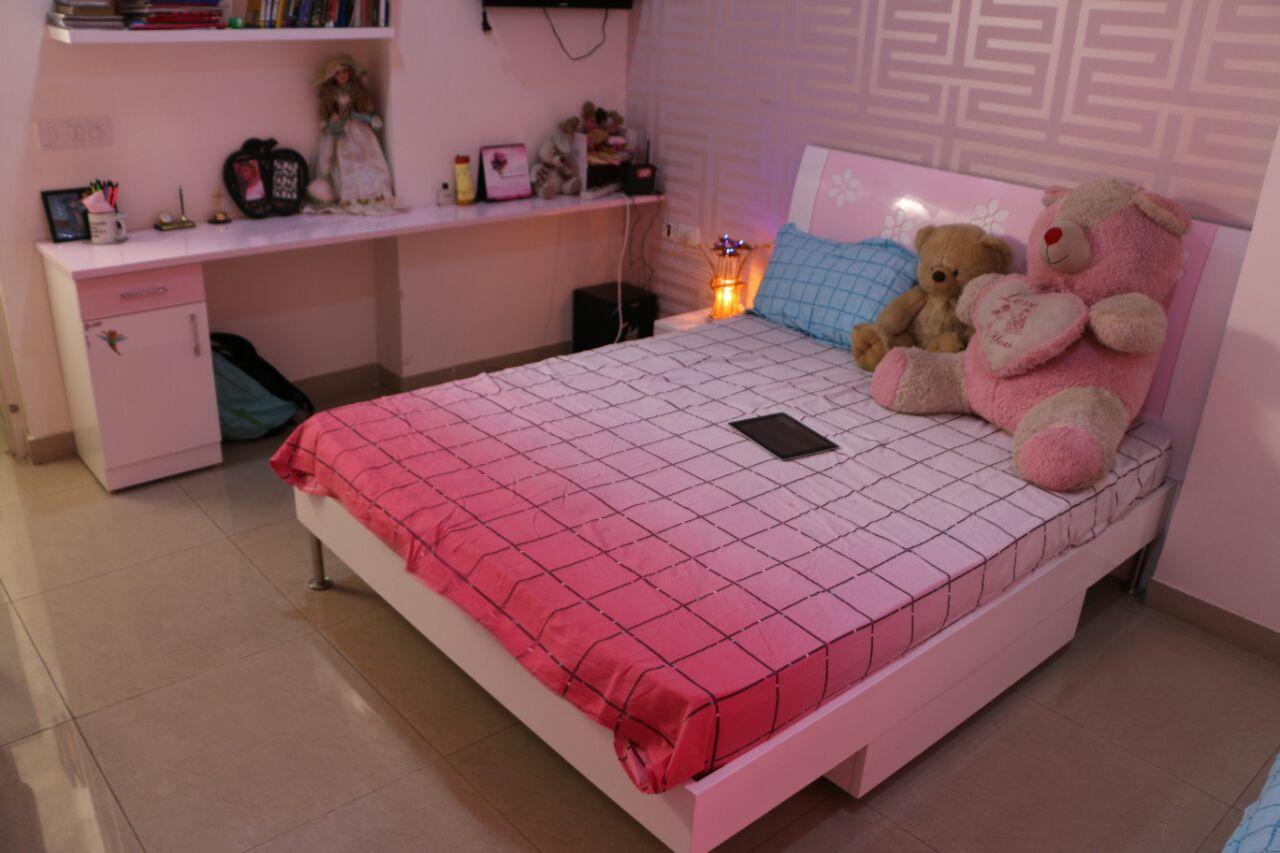 Pink Shade Decor And Wall Art In Bedroom by Abhinav Gupta Bedroom Contemporary | Interior Design Photos & Ideas
