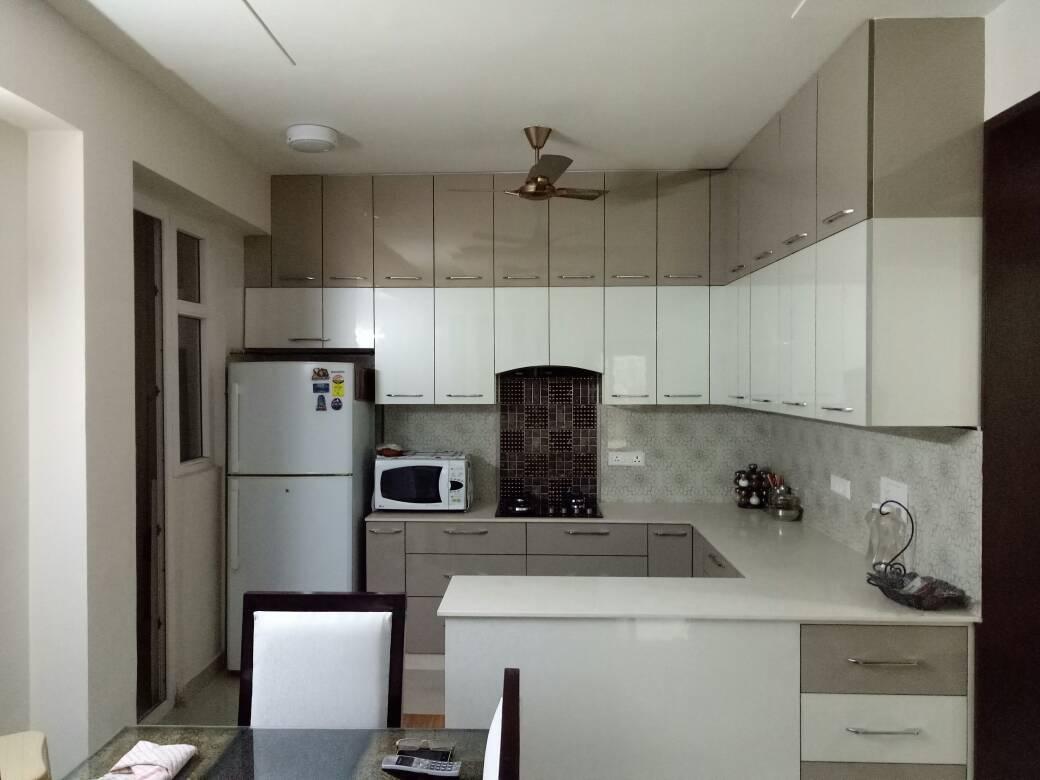 Modular Kitchen With Beige Shade Cabinets by Abhinav Gupta Modular-kitchen Modern | Interior Design Photos & Ideas