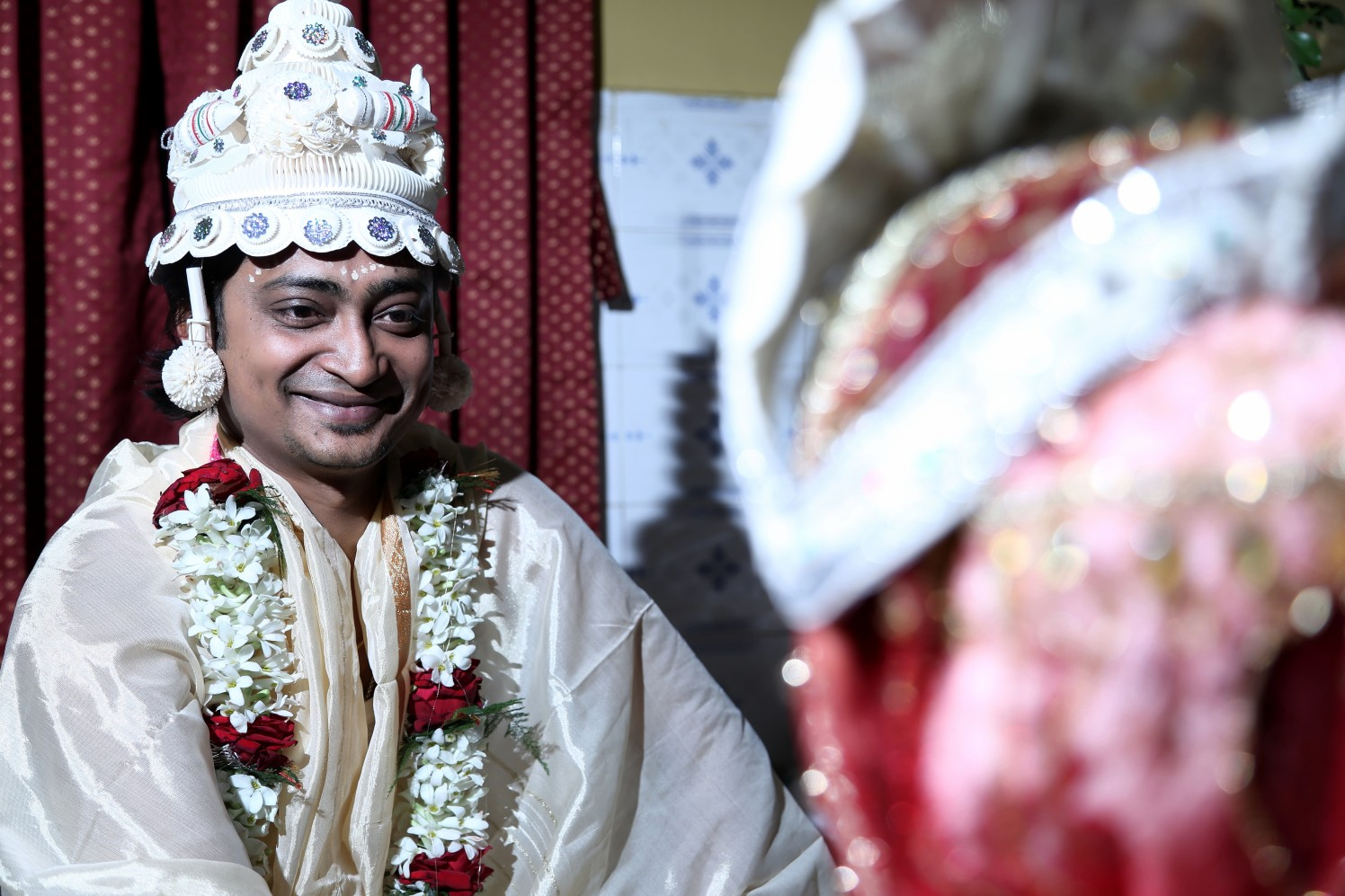 Dashing groom on his wedding day. by BACKDROP Wedding-photography | Weddings Photos & Ideas