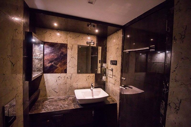 Bathroom Room With Marble Wall by Ar. Sachin Vasant Salvi  Bathroom Modern | Interior Design Photos & Ideas