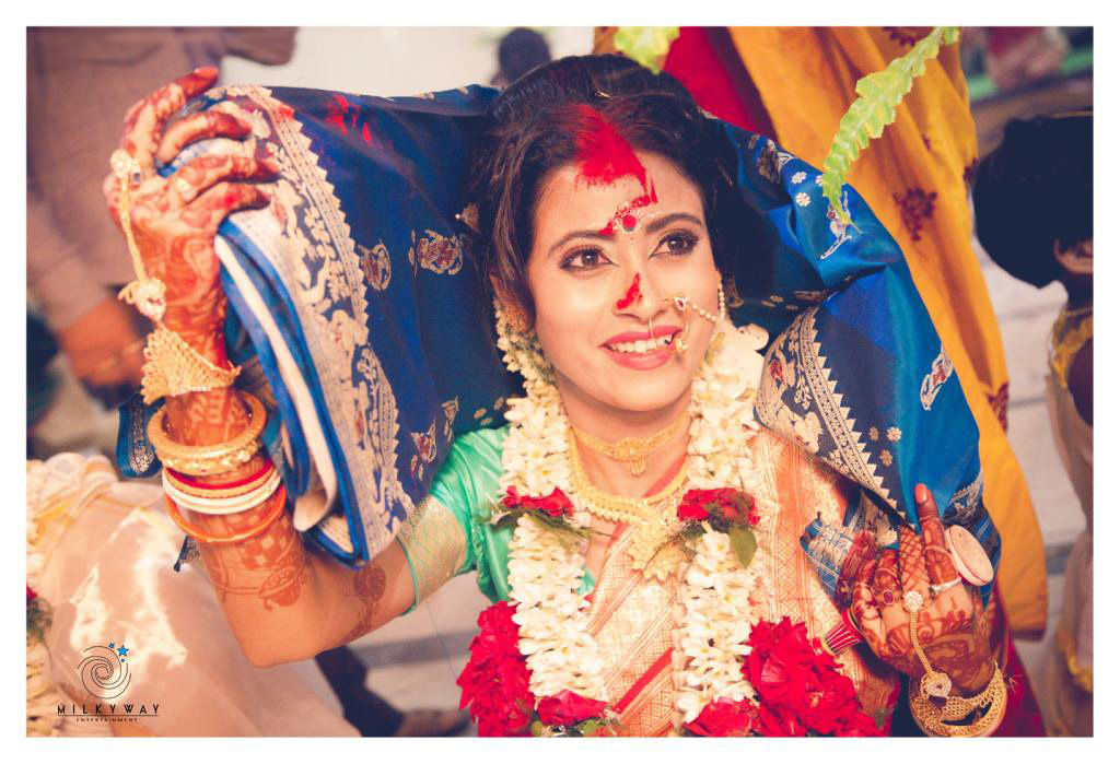 Candid Bride Shot by Chanchal Roy Wedding-photography | Weddings Photos & Ideas