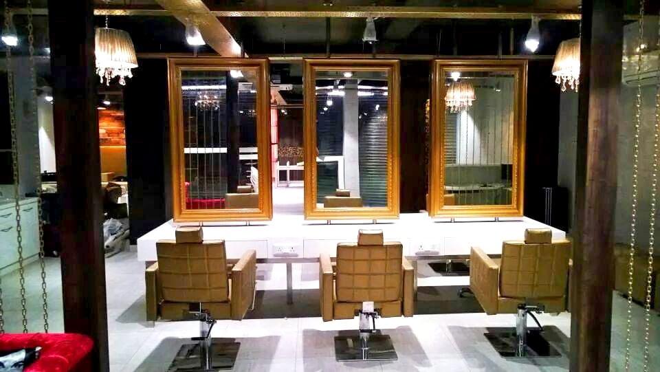 Salon by Aayaadi Group Modern | Interior Design Photos & Ideas