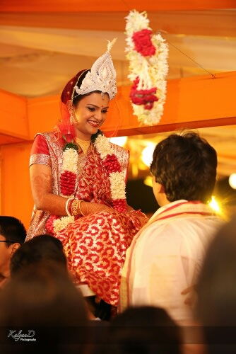 A bengali entrance of the bride! by KalyanD Photography Wedding-photography | Weddings Photos & Ideas