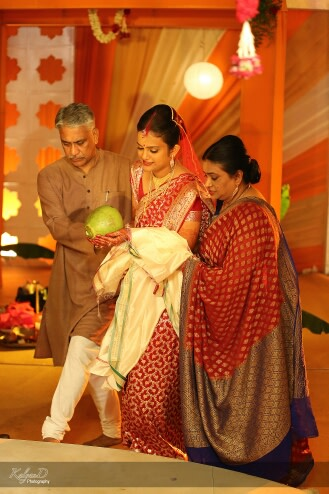 Bengali bride with her parents! by KalyanD Photography Wedding-photography | Weddings Photos & Ideas