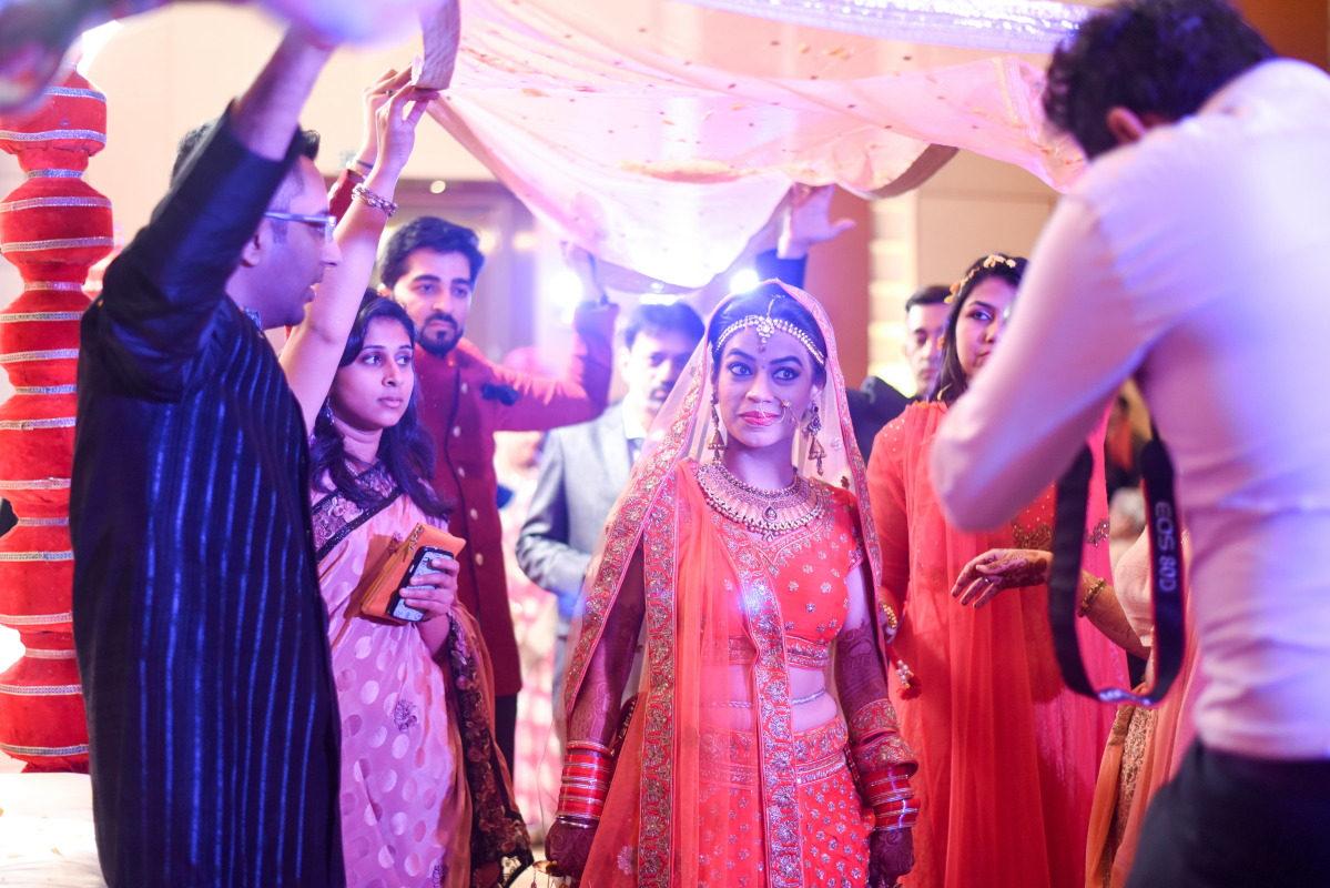 Giving the perfect shot! by Sagar Makwana Wedding-photography | Weddings Photos & Ideas