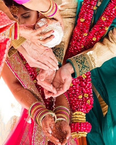 The bride and groom working hand in hand! by Sagar Makwana Wedding-photography | Weddings Photos & Ideas