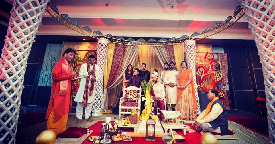 All eyes in anticipation of the much awaited bride by Sagar Makwana Wedding-photography | Weddings Photos & Ideas