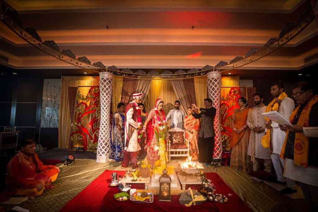 The couple taking sacred vows by Sagar Makwana Wedding-photography | Weddings Photos & Ideas