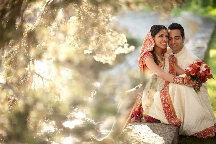 The never ending sweet talks! by Sagar Makwana Wedding-photography | Weddings Photos & Ideas