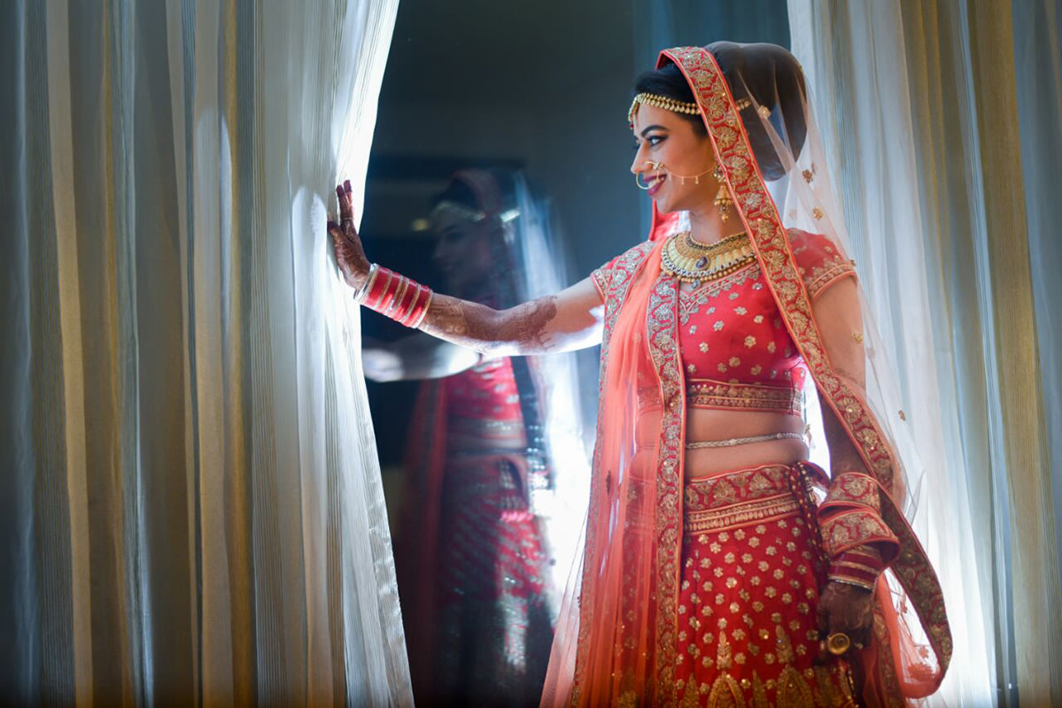 Picture perfect bride making sure everything is in place by Sagar Makwana Wedding-photography | Weddings Photos & Ideas